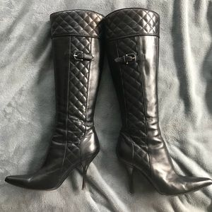 Authentic Burberry quilted boots.